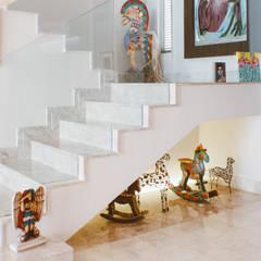 CASA ANACLERIO: Escaleras de estilo  por CLAUDIA CAROLINA GONZALEZ C, Moderno