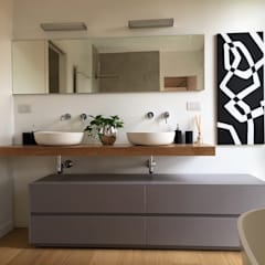 Bathroom by Geometra Lorenzo Borgonovo, Modern