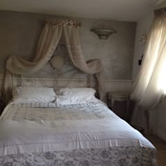 Small bedroom by Quel Tocco in più, Classic