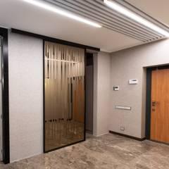 Inside doors توسطRaumplus Russia, مینیمالیستیک