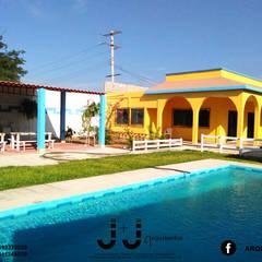 식민지스타일 주택 by J+J Arquitectos. 콜로니얼 (Colonial)