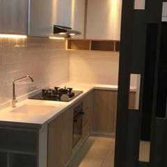 Furnish Kitchen Set:modern  oleh Maxx Details, Modern
