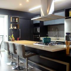 by Maestrelo Arquitetura e Interiores Modern لکڑی Wood effect