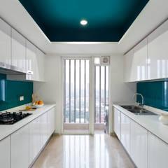 ห้องครัว โดย VCJ DESIGNS, โมเดิร์น