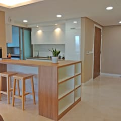 THE SENTRAL RESIDENCE:  Built-in kitchens by Astin D Concept World Sdn.Bhd,