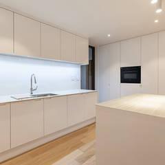 남양주시 덕소강변현대홈타운아파트 64평 인테리어 리모델링: studio FOAM의  주방,