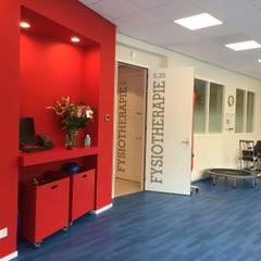 Verbouw medisch centrum Moderne gezondheidscentra van Studio Van Dijl Architecten Modern