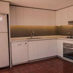 Muebles de cocinas de estilo  por arquitectura oficio spa, Clásico