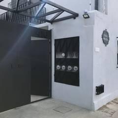 """REMODELACIÓN """"CASA MAYE"""" : Bungalows de estilo  por Ideas Arquitectónicas, Moderno Concreto"""