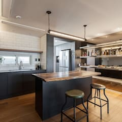 전주인테리어 우미린 탑층 아파트인테리어 , 인더스트리얼: 디자인투플라이의  다이닝 룸,인더스트리얼
