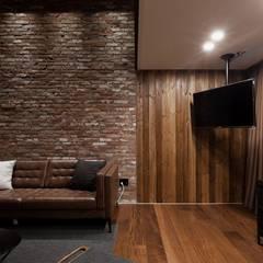 전주인테리어 우미린 탑층 아파트인테리어 , 인더스트리얼: 디자인투플라이의  거실,인더스트리얼