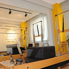 Salones de eventos de estilo  por Burak Şakar İç Mimarlık,