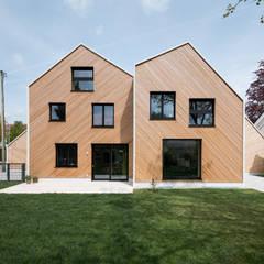 Casas de madera de estilo  por IFUB*,
