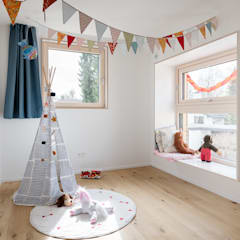 Habitaciones para niñas de estilo  por IFUB* , Moderno