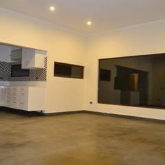 Vivienda 90 m2 Mediterráneo Nativa: Livings de estilo  por Casas Metal, Mediterráneo Concreto