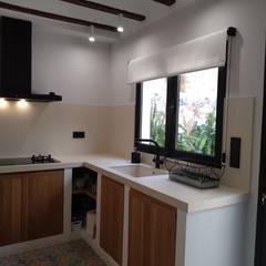 Gestionarq, arquitectos en Xàtiva의  작은 주방, 러스틱 (Rustic) 세라믹