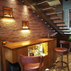 Wine cellar by AR. AISHANI KUMBHANI, Eclectic Wood Wood effect