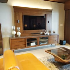 Media room by AR. AISHANI KUMBHANI, Eclectic Wood Wood effect