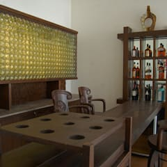 Bodegas de vino de estilo  por Manish Kumat, Clásico