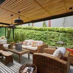 Casa Avellaneda: Terrazas de estilo  por CAJA BLANCA, Rústico
