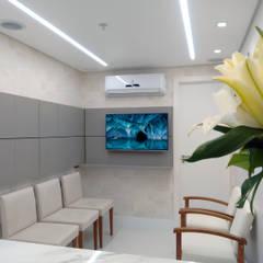 Clinics by Cubik Arquitetura, Minimalist