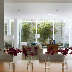 Casa de Playa : Comedores de estilo  por Alexander Congonha, Moderno