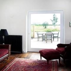 اتاق نشیمن توسطJim Morrison Architects, راستیک (روستایی)