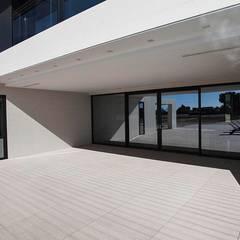 Sliding doors by Bioarquitectura, Modern
