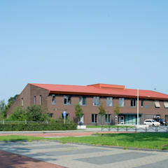 Schools by Berenschot Adviserend Architect, Country