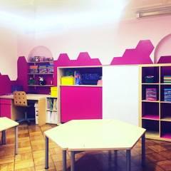 Schools توسطTikTAK ARQUITECTOS, مدرن