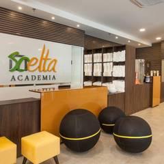 Scelta Academia - Barueri, SP Fitness moderno por Célia Orlandi por Ato em Arte Moderno