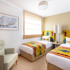 Bedroom by Victor Guerra.Design, Mediterranean