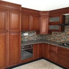 Muebles de cocinas de estilo  por Hoop Pine Interior Concepts, Clásico Madera maciza Multicolor