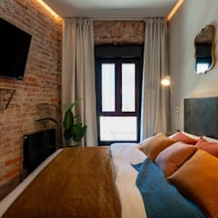 Bedroom by Home Staging Bizkaia, Mediterranean Wood Wood effect