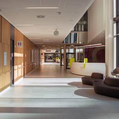 Hospitals by Albert Wimmer ZT GmbH, Modern