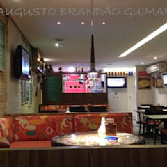 Restaurantes de estilo  por Augusto Guimarães arquitetura, Rústico