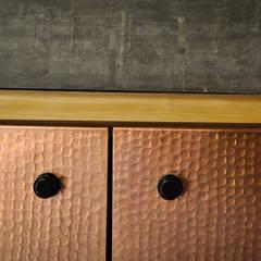 اتاق نشیمن توسطStudio NA, راستیک (روستایی) چوب Wood effect
