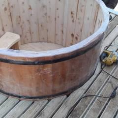 Balcón de estilo  por Q-bo proyectos de construccion, Rústico Madera Acabado en madera