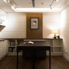 松泰室內裝修設計工程有限公司が手掛けた書斎, カントリー 無垢材 多色
