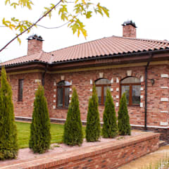 Country house by Архитектурная студия AM-SEO Евгения Содылева, Classic Bricks