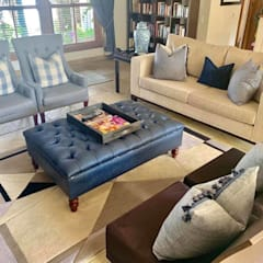 2015 Classical Interior Renovation - Revisited 2019:  Living room by CS DESIGN, Classic