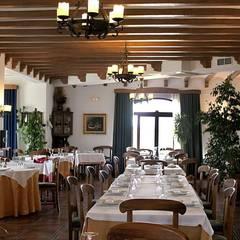 Restaurantes de estilo  por Alfaro Arquitecto 3A3, Rústico