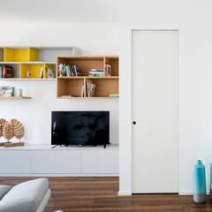 Living room by GruppoTre Architetti, Minimalist