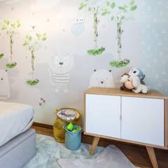 Quarto de Criança - Design de mobiliário por medida: Quartos de rapaz  por Glim - Design de Interiores,Moderno