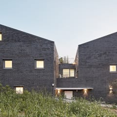 은평구 진관동 단독주택: 삼공사건축사사무소의  소형 주택,모던 벽돌