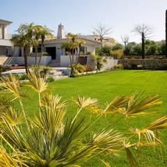 Jardíssimo - Villa Cesteiros, Carvoeiro: Jardins  por Jardíssimo,Moderno
