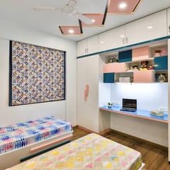 Kleine slaapkamer door AARAYISHH (Mumbai & Pune), Modern