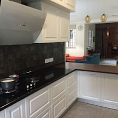 وحدات مطبخ تنفيذ Hoop Pine Interior Concepts , كلاسيكي خشب معالج Transparent