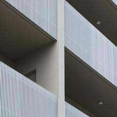 Balcony by 株式会社クレールアーキラボ, Eclectic