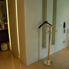 Bathroom by Tanish Dzignz, Colonial